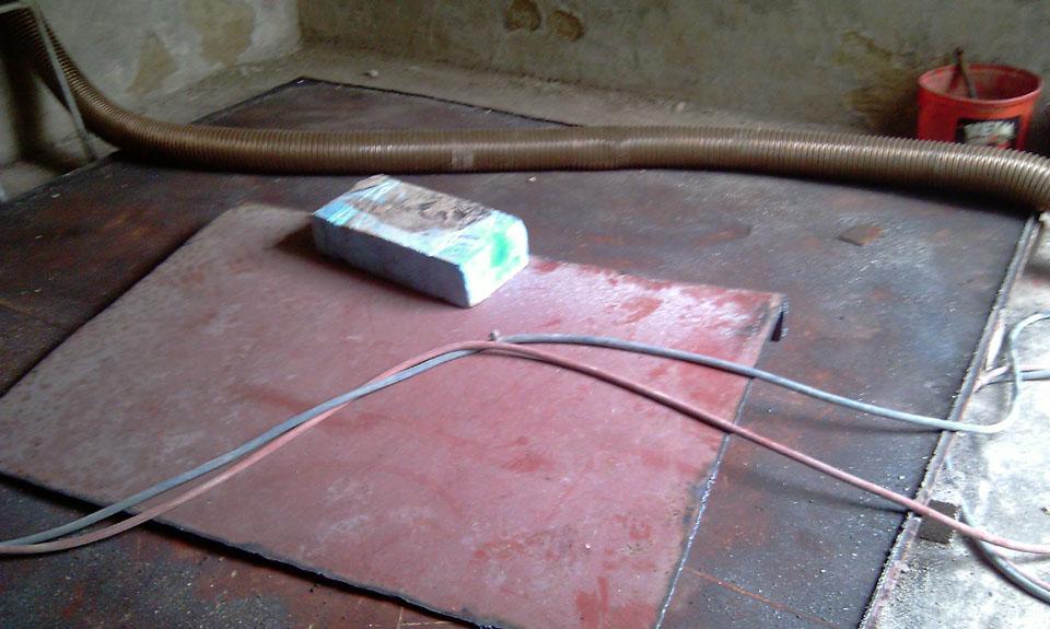 Demontage Rechteckstahltank Bodenplatte